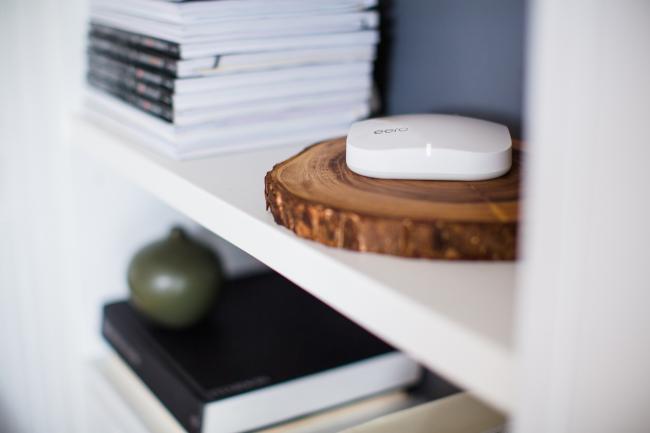 Eero es un router y un amplificador que soluciona los problemas wifi en casa fácilmente