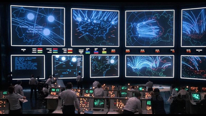 Warchalking, wardriving y wardialing: Símbolos wifi, rastreo de redes, hackers ochenteros y películas. ¿Qué es esto?