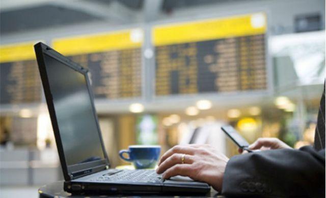 Trucos para tener wifi gratis y por tiempo ilimitado en todos los aeropuertos