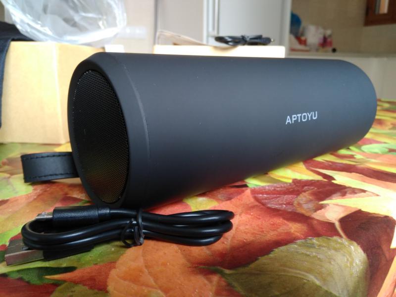 Altavoz bluetooth portátil y potente Aptoyu, chino y barato, inalámbrico, análisis, características, prueba y opinión