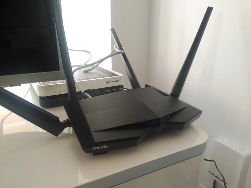 Aumentar cobertura de señal wifi a más de 300 metros cuadrados, por 30 euros con el router Tenda AC10
