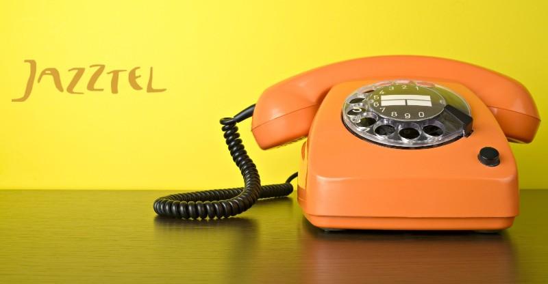 Como hablar con un operador de Jazztel y contactar con el servicio técnico de Jazztel cuando tienes un problema de fibra óptica